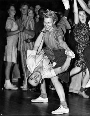 A lady leader in the 1940s | Lindy Hop | Jitterbug | Swing Dance