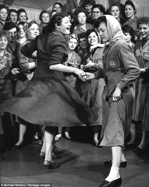 Lindy Hop Follower? Here's 9 reasons why you should learn to Lead too!