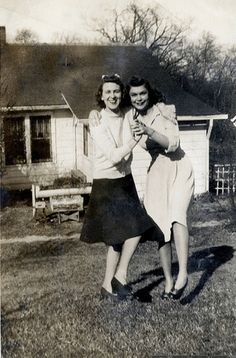 Two women dancing together 1940s | Lindy Hop | Jitterbug | Swing Dance